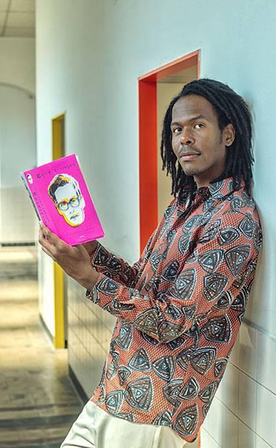 Jeangu Macrooy heeft zijn eerste boek uit
